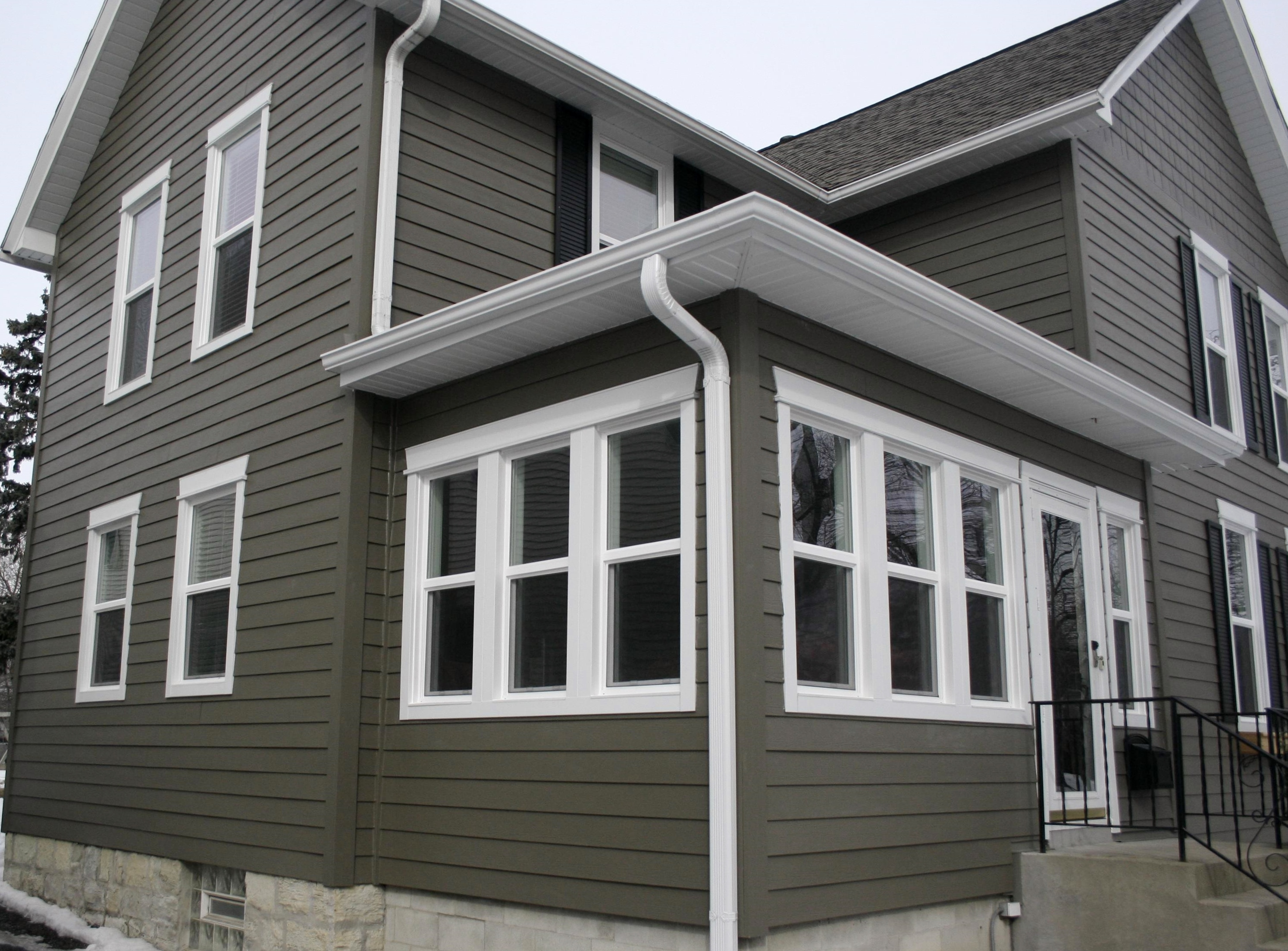 What are the pros and cons of fiber cement siding for Hardie plank siding cost